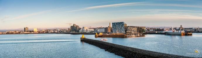 Le port de Reykjavik au coucher du soleil