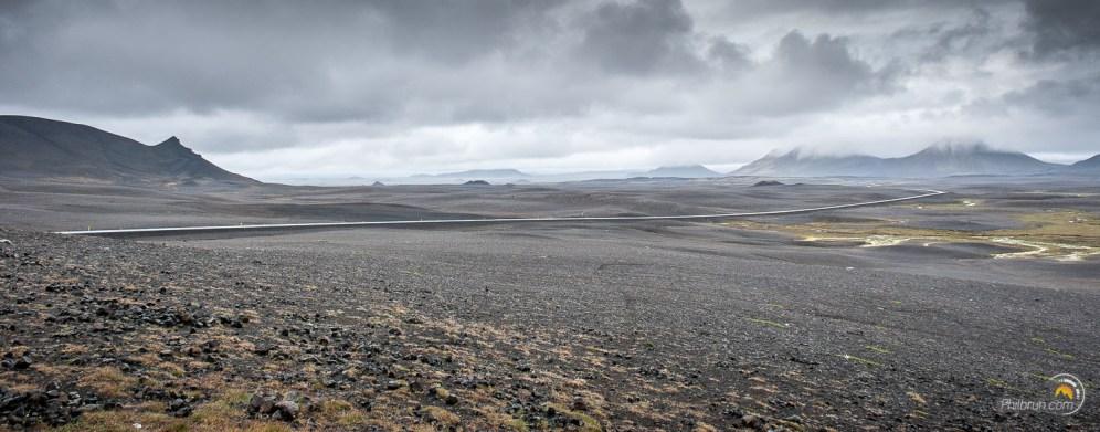 Paysage typique où circulent les routes Islandaises. Les paysages y sont toujours grandioses.