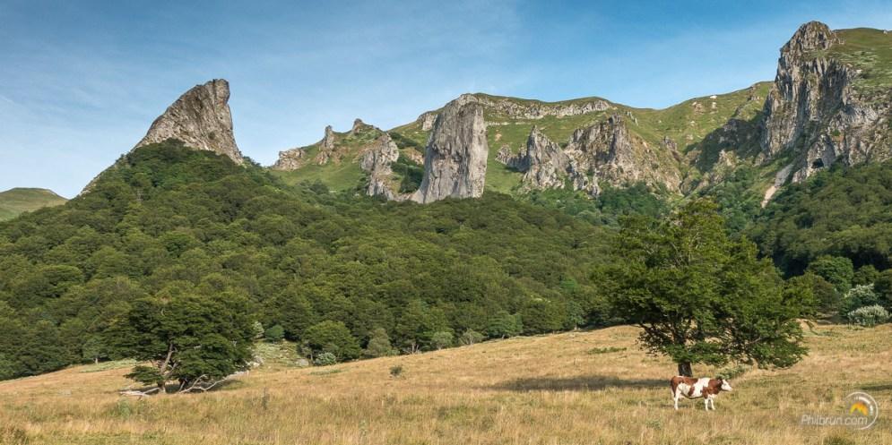 La dent de la Rancune et la crête du Coq depuis le fond de la vallée de Chaudefour