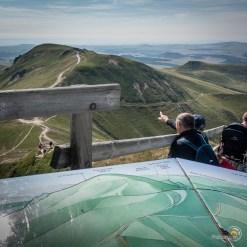 Au sommet du Sancy tout le monde en profite pour contempler le paysage