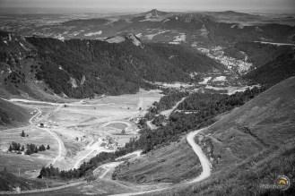 Depuis le pas de la Grange vue sur la vallée du Mont-Dore et la station du Sancy