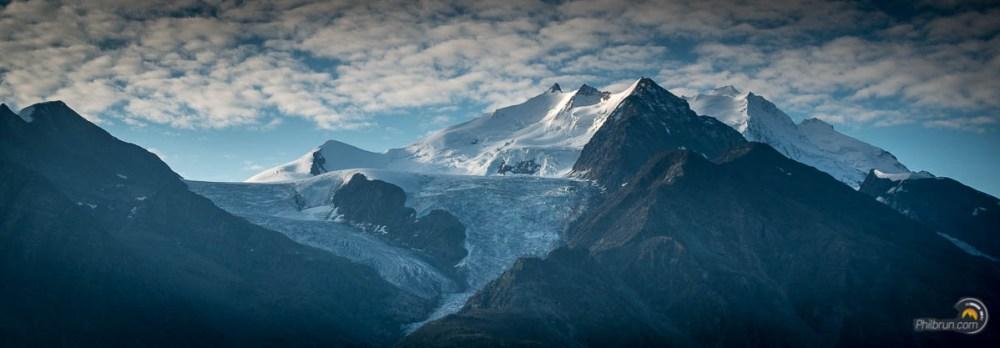 tour du cervin lever de soleil sur la montagne