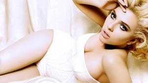 What's the matter with Scarlett Johansson's body?