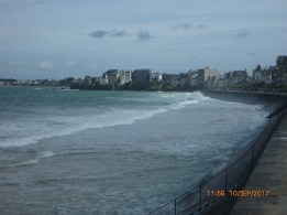 waves by the digue