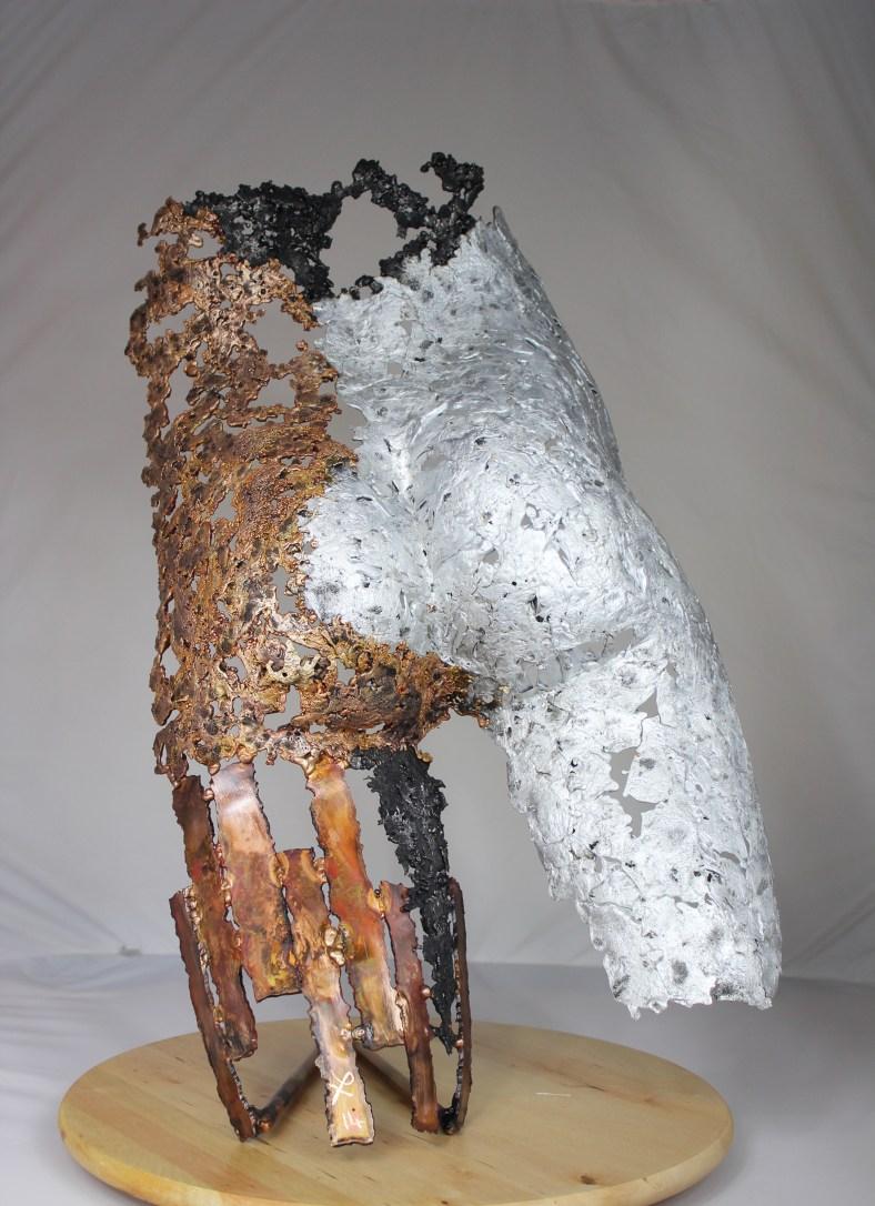 série Kouros - Vision de Cocagne fessier d'homme en acier bronze et aluminium