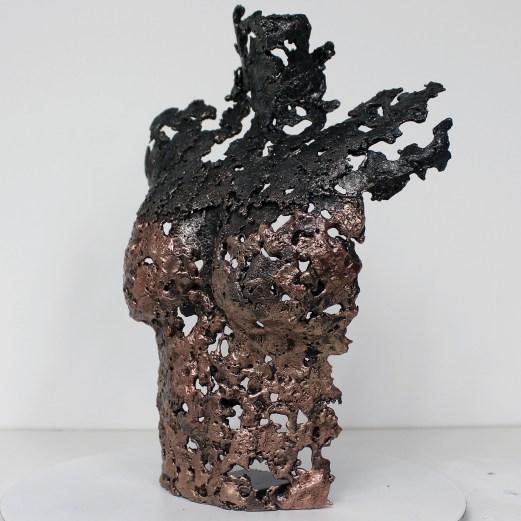 Sculpture représentant un buste de femme en métal : dentelle de bronze et d'acier Pavarti Ondine Pièce unique