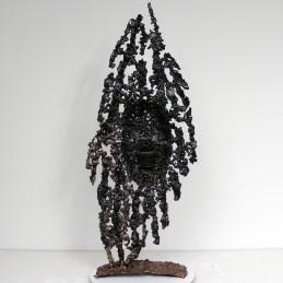 Sculpture de Philippe Buil en metal : dentelle bronze et acier Série Cabinet curiosité Oural Visage Piece unique