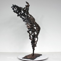 Sculpture de Philippe Buil en metal : dentelle de bronze et d'acier Buste de Femme Belisama Liberation Piece unique
