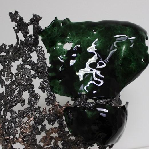 Sculpture de Philippe Buil en metal et verre: dentelle acier bronze et verre lace of steel bronze and glass Buste de Femme Belisama La Rebelle Piece unique