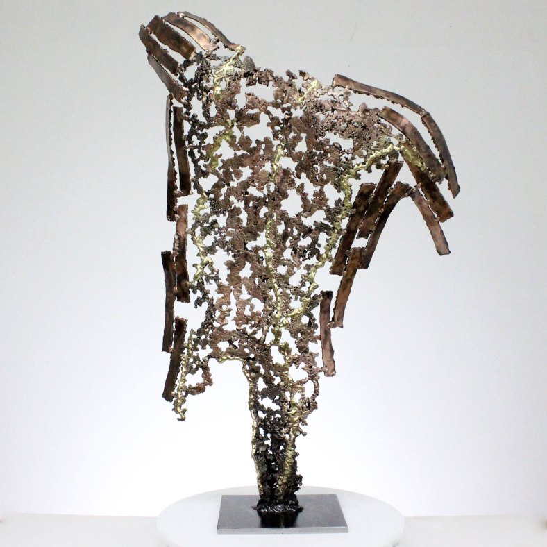 Kouros النحت الخلفي رجل معدن الناجي Survivor Sculpture back man metal
