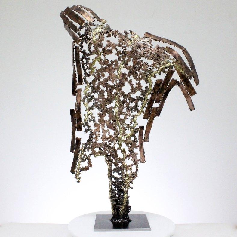 Kouros Sobreviviente Escultura espalda hombre metal Survivor Sculpture back man metal
