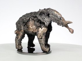 Sculpture de Philippe Buil en metal Dentellede Bronze et d'acier représentant un elephant Piece unique Sculpture of Philippe Buil in metal Bronze and steel lace representing an elephant Unique Piece