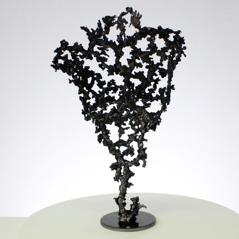 Pavarti NEWS - Sculpture corps femme métal dentelle acier et feuille d'or - Body woman metal artwork - lace steel and gold leaf - Buil