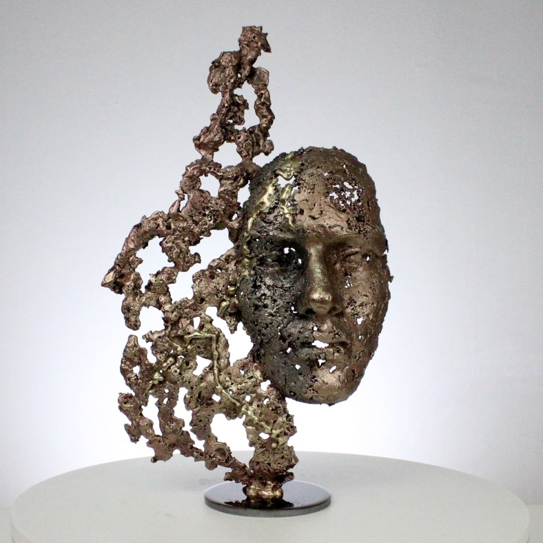 une larme IV sculpture visage metal acier bronze laiton a tear IV face sculpture metal steel bronze brass philippe BUIL