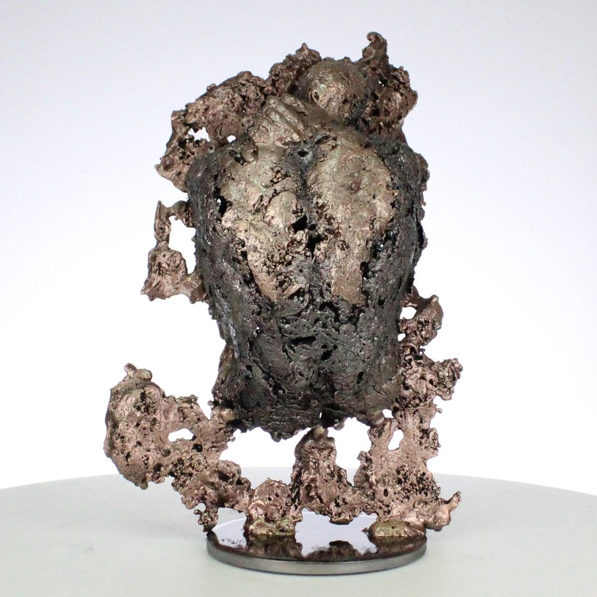 la montagne yogi III Sculpture corps homme dentelle métal et bronze the mountain yogi III body man lace metal steel philippe BUIL
