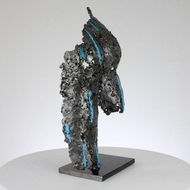 Pavarti sous la pluie - Sculpture corps homme métal dentelle acier pigment bleu  - Body under the rain man metal artwork - lace steel - Buil