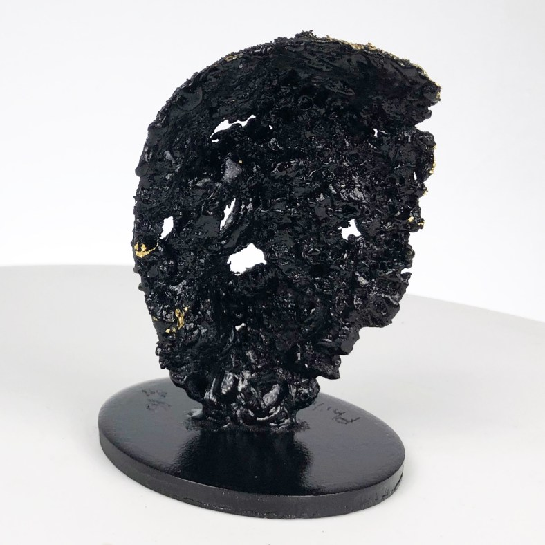 Crane Vanité - Sculpture tete de mort acier feuille d'or couleur noire - Vanite art -Sculpture skull and crossbones steel gold leaf black color - Buil