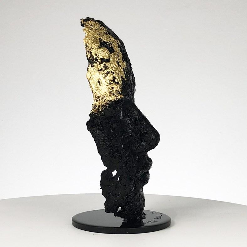 une larme 117-21- Sculpture tête métal Acier feuille d'or couleur noire - Sculpture head metal Steel gold leaf black color - Philippe Buil