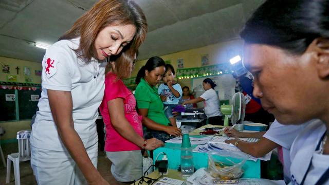 Gwendolyn Garcia returns as Cebu's governor