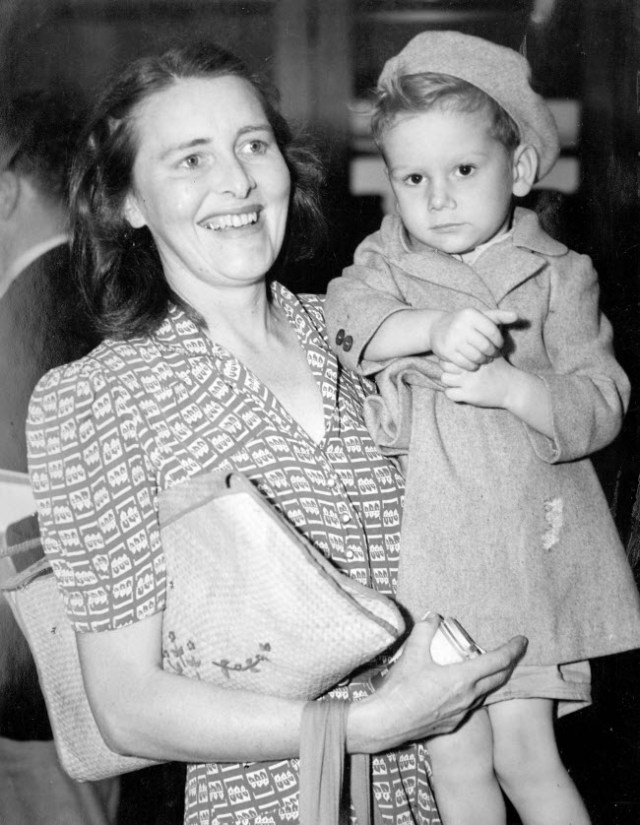 Mrs-John-D-Percival-Sydney-with-son-John-D-Percival-Jr-who-was-born-in-an-internment-camp-Australia-1945