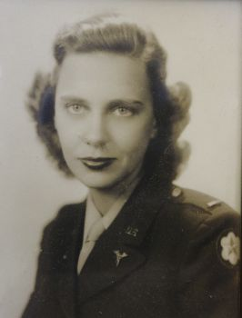 Thompson-Dorothy-Davis-uniform
