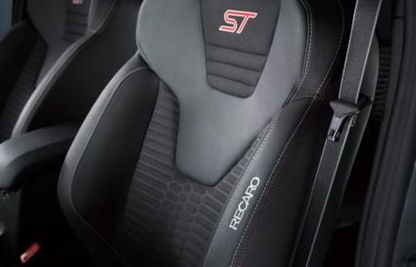FordGeneva2016_FiestaST200_10