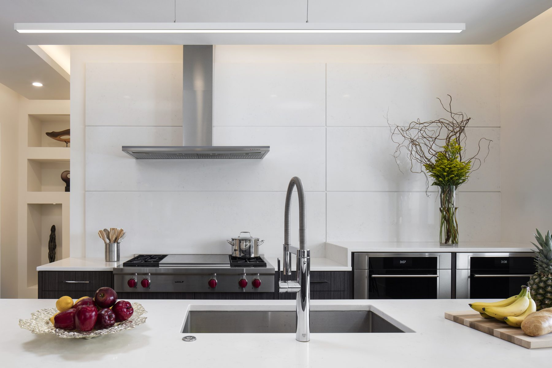 modern luxury kitchen backsplash