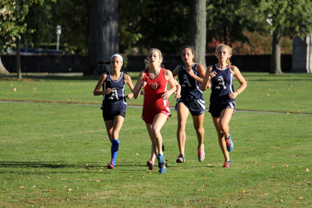 Girls Cross Country Strives to Match Last Year's Reign