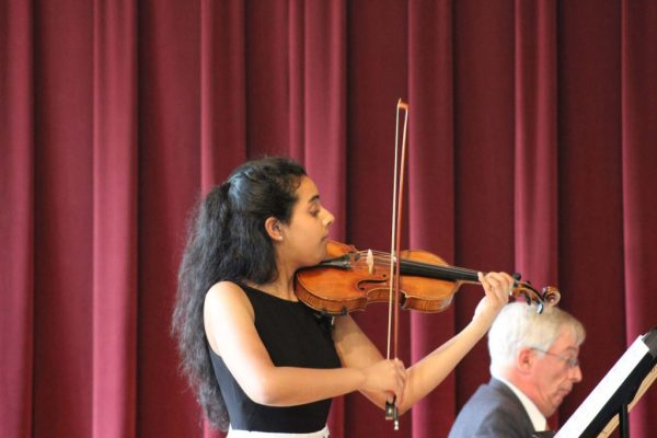 Kannan played various lyrical songs in her recital with rich, warm tones.
