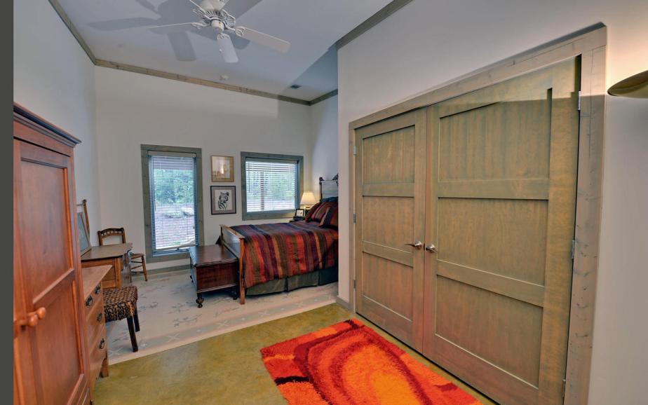 Shore Crest Drive Martin GA-large-009-9-Bedroom-1500x938-72dpi