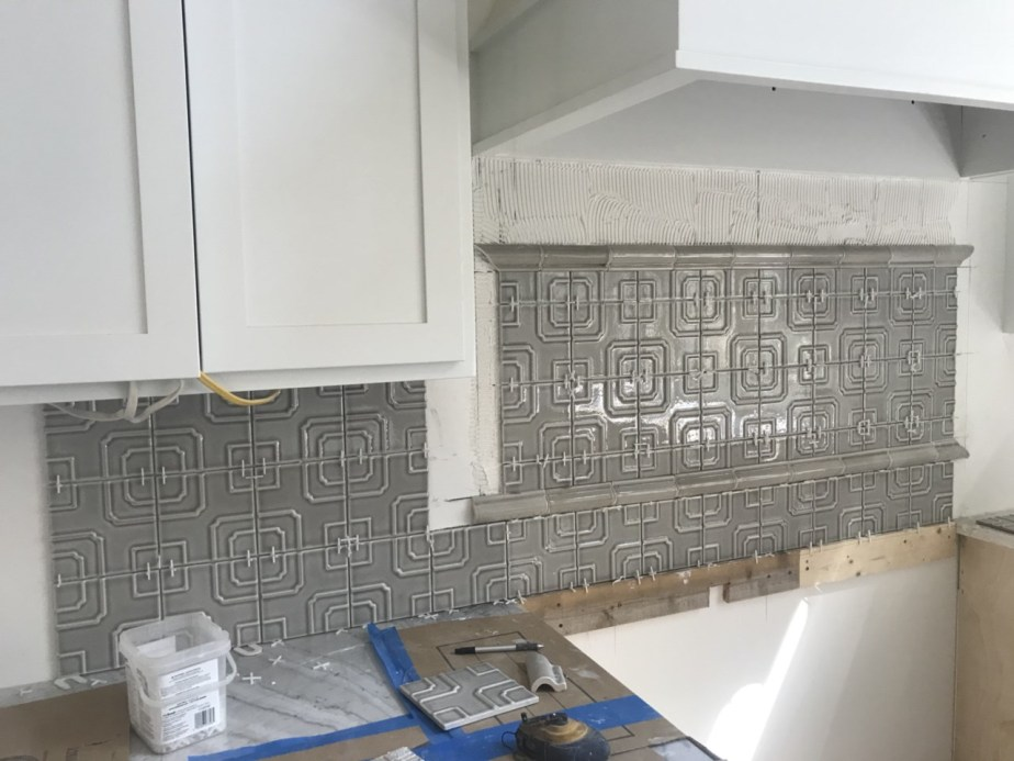 4-backsplash going up