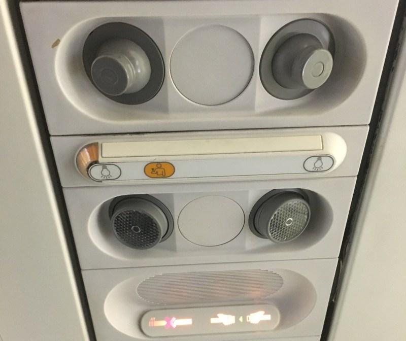 United A320 air vents