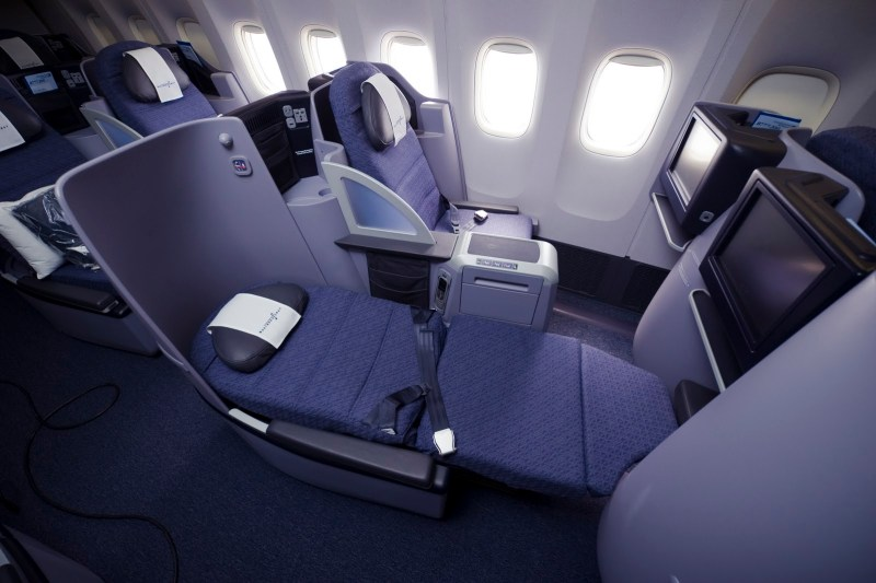 United Airlines 777-200 Business Class