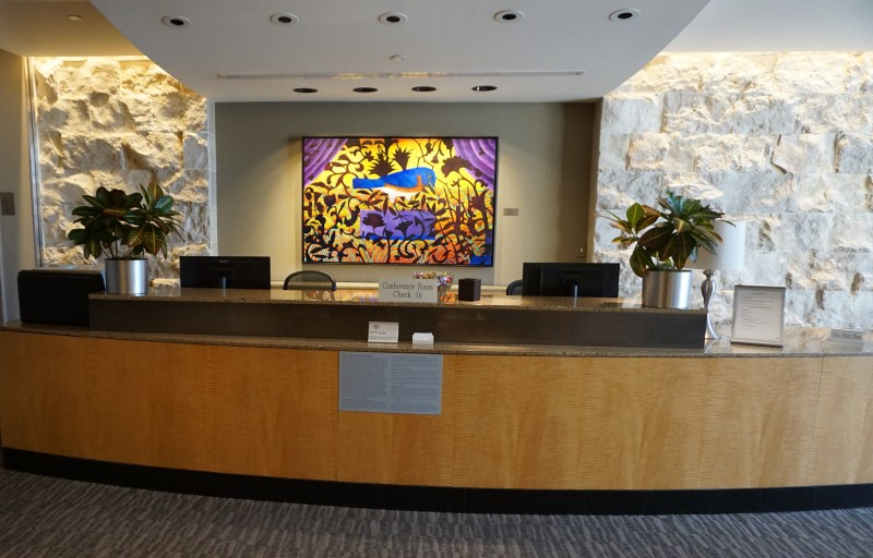 Admirals Club Dallas
