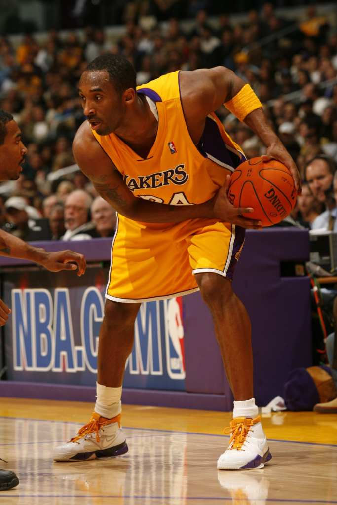 Kobe Bryant working a defender, the Lakers great will soon be in the hall=of-fame