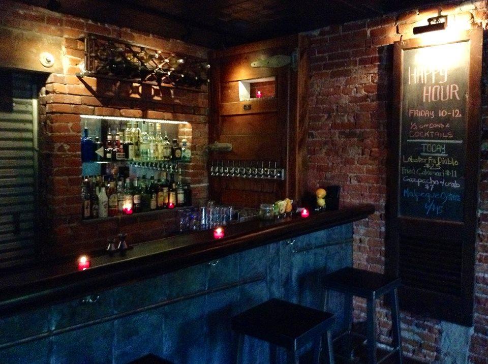Jerrys Bar  Drink Philly  The Best Happy Hours Drinks  Bars in Philadelphia