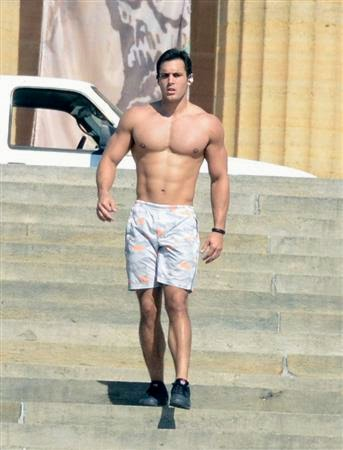 The Beast Revealed: Geoff Peirce is the Guy Who Was Working Out on The Art Museum Steps