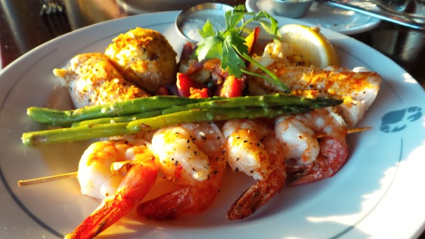 Phillips Seafood Classic Broiled Seafood Platter