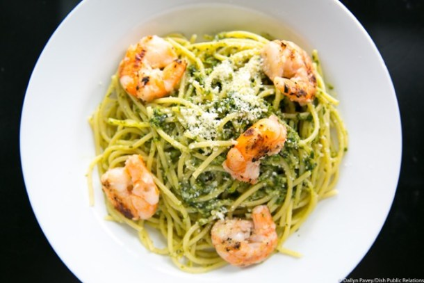 Shrimp Scampi spinach over linguini