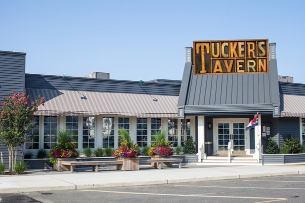 Tuckers Tavern Exterior