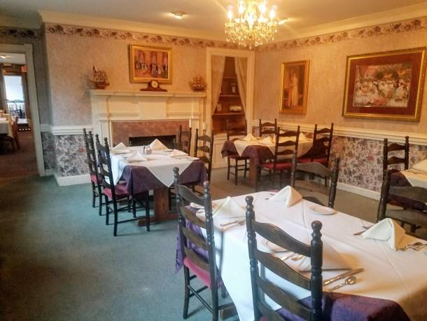 King George II Inn Bristol PA Dining Room