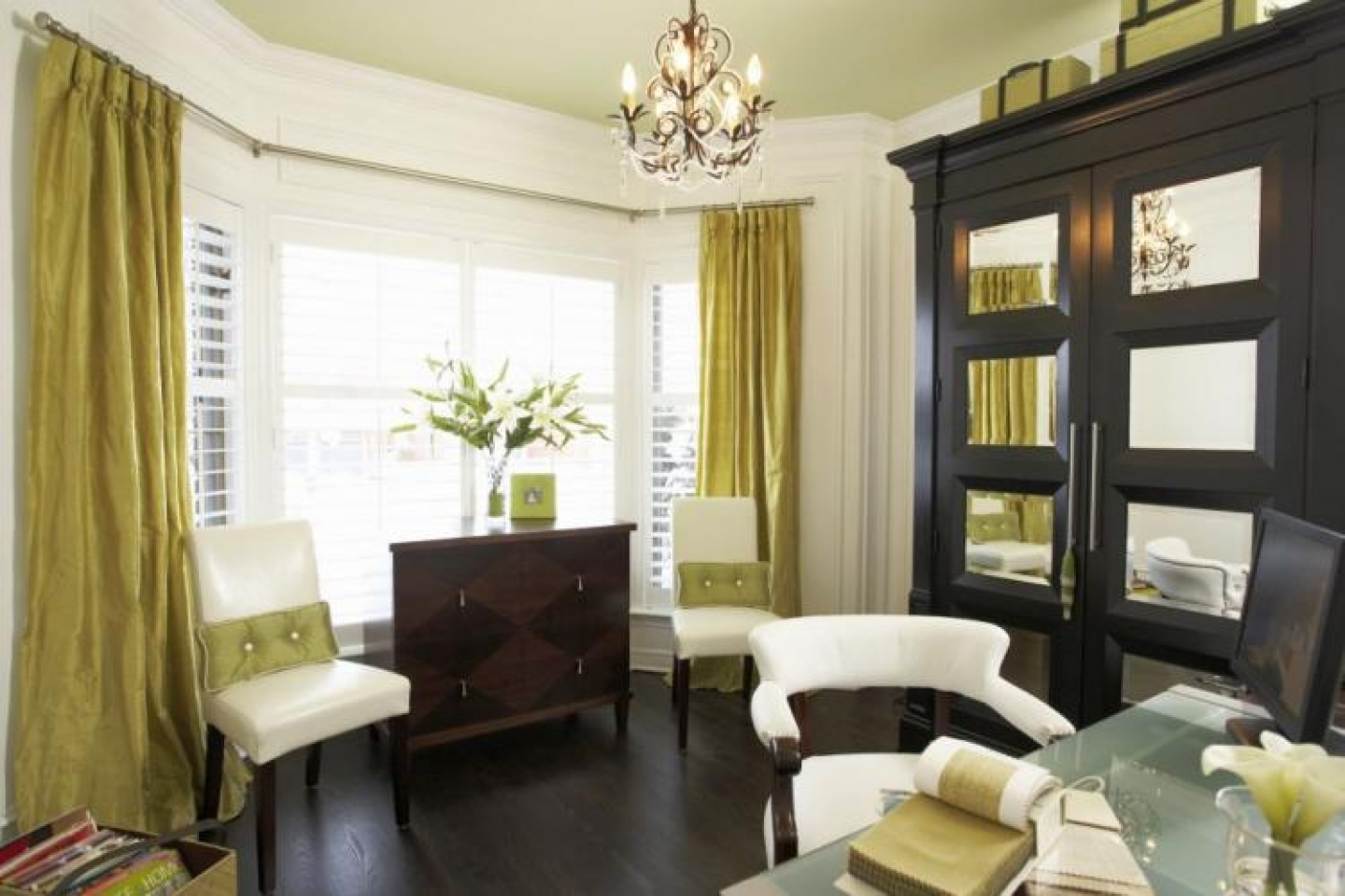 choosing curtains and curtain hardware