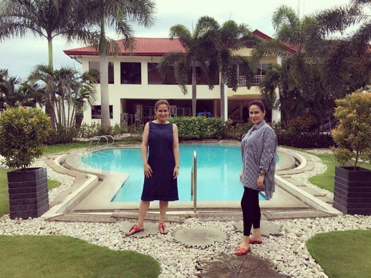 Manny Wife Jinky Pacquiao Show Swimming Pools In Their Every Beautiful Home