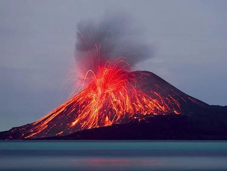 Iceland's Reykjanes Volcanic Activity Rises. Krakatoa Volcano Erupts in Indonesia