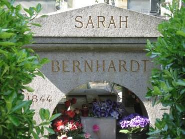 Grave_of_Sarah_Bernhardt_Père_Lachaise