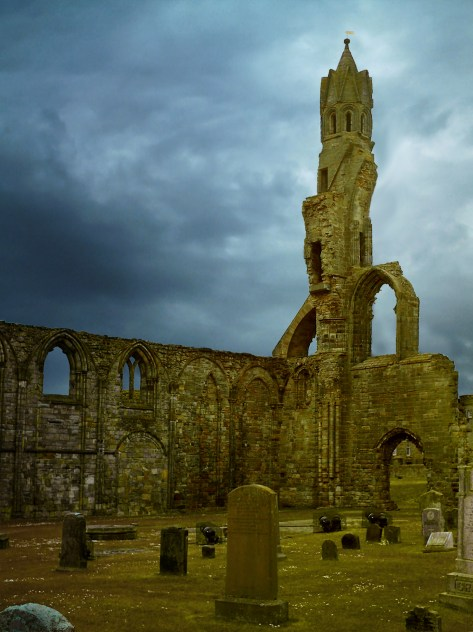 Graveyard_in_St_Andrews_Cathedral,_Scotland
