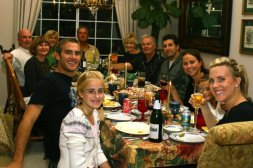 holiday-dinner-family