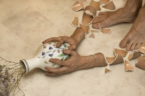 arms-break-vases-dont