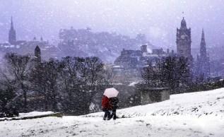 inlingua-Edinburgh-Blizzard-on-Edinburgh-Snow-photo-by-http-lloydsmithphotography.com_