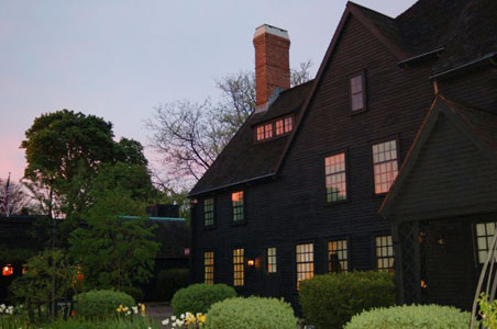 1-House-of-the-seven-gables-Salem